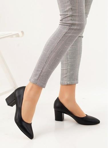 Efem Topuklu Ayakkabı Siyah